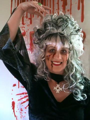 Zombie Fashion & Makeup Consultant Annalise Fredricke Schwarzblut